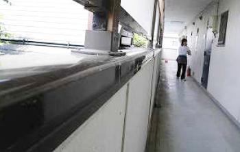 郡山市横塚アパート清掃・クモの巣除去前