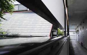 郡山市横塚アパート清掃・クモの巣除去後